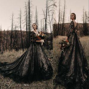 2020 Gothic Black Vintage Brautkleider Eine Linie V-Ausschnitt Spitze Appliques Tüll Illusion Backless Sweep Zug Plus Size Formale Brautkleider