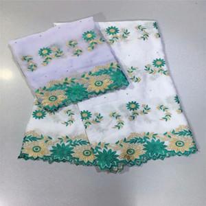 Laces africanos Tecidos para vestidos de casamento Africano Bazin Riche Lace Fabric 2020 Material de Bazin Riche Getzner com blusa