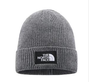 2021 Moda Gorros TN Marca hombres otoño invierno sombreros del deporte Gorro de lana espesa el calentamiento informal sombrero al aire libre del casquillo de doble cara gorros Beanie