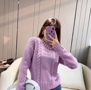 Europea y la tendencia de la moda 2020 otoño / invierno yardas grandes flojas estadounidenses precioso suéter de diseño lavanda con letras jacquard tanto para las mujeres