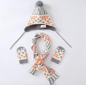 Scraf eldiven 3Pieces Seti Noel Desginer Şapka Eldivenler Eldiven Cap Seti KKA8282 ile scraf Erkekler Kızlar Beanies ile INS Bebek Çocuk kasketleri