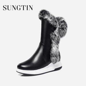 Sungtin Новый лакированной кожи женщин Сапоги зимние Lady Classic Black Мода Плюшевые Теплый Короткие сапоги дамы Плюс Размер Flat Mid