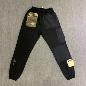 Brand New Travis Scott Cactus Jack Sweatpants Men Women Tactical Multi-Pockets Pants Hiphop Men Camouflage Patch Sweatpants 201109