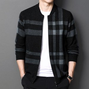 2020 autumn and winter New knitted cardigan men's casual plaid baseball collar sweater trend ins jacket jacket men