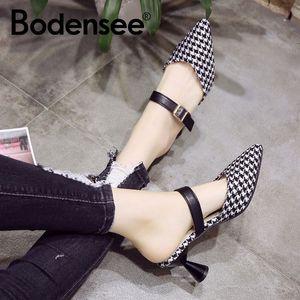Bodensee zapatos de mujer Slip-on puntiagudo de punta mujer tacones mediados bomba de cristal mujeres tacones de talón transparente sandalias zapatillas zapatillas y200111