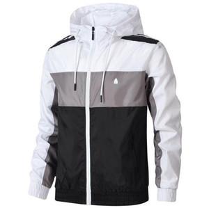 Giacche Uomo Primavera con 3 strisce zip Jacket Uomini Windbreaker cappotti all'aperto Winter Fashion Jacket Uomo T-Shirts all'ingrosso