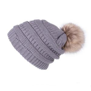Зима Женщины Вязаных Шапочки Письмо Pom Pom мех мяч Hat Warm Wool Cap унисекс вязание шапочка череп Женский обдирают Caps Шляпы GGA3773
