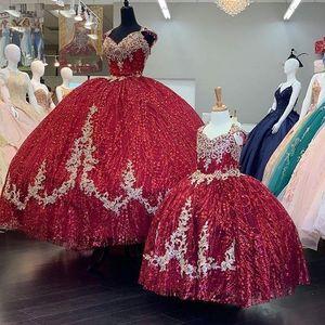 Cheap Burgundy Sequins Tulle Sweet 16 Dress Vestidos De Quinceanera Applique Beading Mom Daugheter Ball Gowns quinceanera dresses long