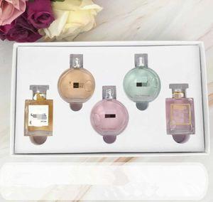 Stokta Marka Makyaj Seti N 5 Koleksiyon Mat Ruj 15 ml Parfüm 3 1 ve 5 IN 1 IN 1 Kozmetik Kiti Kadınlar Için Hediye Kutusu Ile