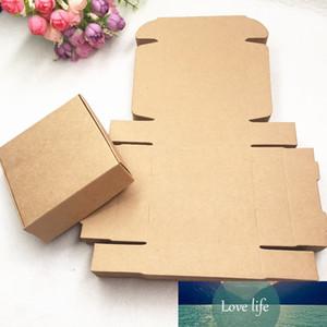 24pcs / Lot Kraftwhiteblack Kağıt Hediye Kutusu Düğün Hediye Şeker Kutuları El yapımı Sabun Kutuları Ambalaj Yana