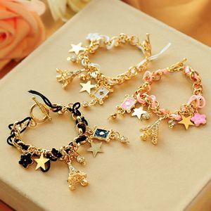 Ragazza bella Bracciale Stars Hearts Parigi Torre Eiffel Corona Poker Carino braccialetto di cuoio corda cinque foglie di monili del fiore Bracciali Donne