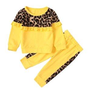 Bambini Bambini Bambini a manica lunga Leopardo Leopardo Stampa Roffles Top Tee Pants Outfits Vestiti casual Primavera Autunno Due pezzi Set Y200525