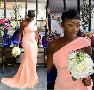 2021 One Shoulder Bridesmaid Dresses Mermaid Coral Sweep Train Hollow Pleats Ruched Maid of Honor Gown African Wedding Guest Wear