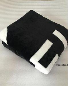 Yeni Sıcak 5 Renk Klasik Stil 200 * 150cm Fanila Rahat Ve Yumuşak Polar Atma Battaniye Ev Ofis Couch Koltuk Ücretsiz kargo Blanket