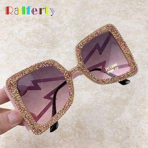 Ralferty 2020 Rhinestone Sunglasses Women Oversized Square Sun Glasses For Women UV400 Protection Luxury Zonnebril Dames G1716