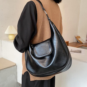 Vintage PU Leather Shoulder Bags High Capacity Total Bag Lady Winter Trending Handbags and Purses