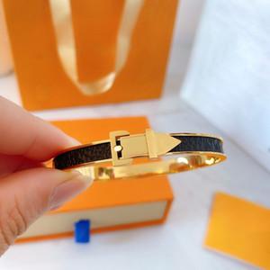 Joyería de diseño de cuero real Lock Lock V Pulseras Brazaletes Pulseiras Pulseras de cuero para mujeres / Hombres Joyería Moda