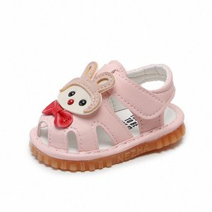 Verão bebê meninas macios sola rosa sandálias sapatos pré-palhakers couro criança sapatos meninas confortável berço bonito squeaky 6-24m t1si #