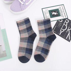 omxee otoño e invierno medias medias medias altas New New Children's Middle Tube Coreano algodón estilo británico Sub calcetines alto tubo s