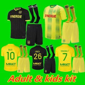 Kit pour enfants adulte 20 21 FC Nantes Jersey Soccer Home Maillot 2020 2021 Simon Louza A Toue Blas Coco Coco Football Shirts