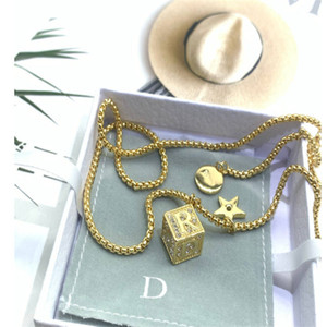 Классические буквы Полный бриллиант жемчужные серьги женские Интернет знаменитость же стиль ниша дизайн ожерелье браслет