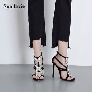 Sandals Brand Designer Женщины Двойная пряжка Обувь для 2021 Мода Кристалл Бабочка Высокие каблуки Крышка Пятка Peep Toe