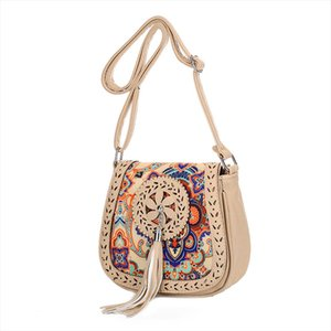New 2020 Hollow Out Shoulder Bag Small Women Leather Crossbody bag For Girl Ethnic Print Messenger bag Clutch Handbag Sac A Main