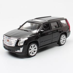 01:36 Scala Mini Cadillac Escalade ESV GMT820 SUV di lusso di metallo Welly automobili veicoli pressofuso giocattolo modello pull back per il regalo bambini