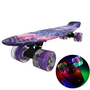 Skate piscando luz mini cruzador peixe skate plástico galáxia starry céu impresso longboard rua esportes ao ar livre 22inch