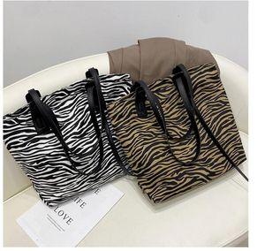 2020 New Fashion Women Shoulder Bags Classic Pu Leather Marmont Heart Style Gold Chain Women Bag Handbag Tote Bags Messenger Handbags 33xc