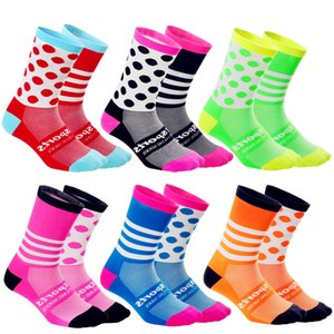 Chaussettes de sport antidérapante DIY Hommes Femmes Bicyclettes Soccer Basketball Sweat Sucer Socking Socking Cycling Mode Stripe Dot 7QT G2