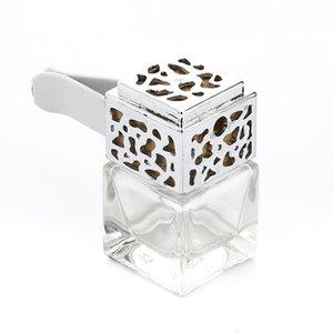 Vider les ornements de véhicules essentiels carrés de la bouteille de parfums de parfum de flacon carré Vendez bien avec différentes couleurs 2 5SH J1