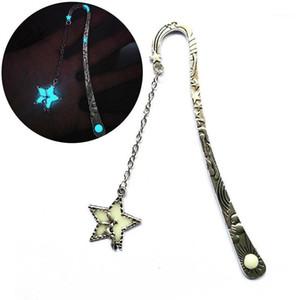 Leuchtender metall stern fliegende mann wal marke bookmark glühen in der dunklen buch marker geschenke1