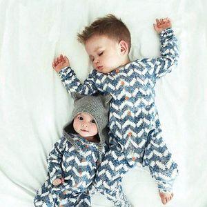 New Christmas Knitting Jumpsuit Baby Otoño Primavera Stripe Suéter Jumpsuits Baby Boy Girl Rampers 201028