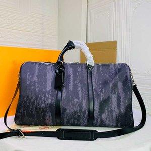 Women Shoulder Back Bag Black Graffiti Travel Bag Classic Canvas Handbag Quality Men Duffel Bags 50CM Large Capacity