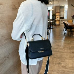 New Trendy Fashion Designer Shoulder Bags For Women With Wide Strap Retro Leather Handbag Totes Woman Crossbody Bag Luxury 201204