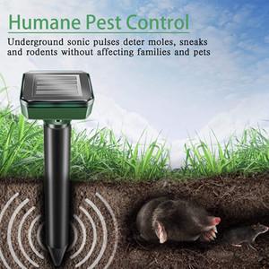 Solar Mouse Repeller Vibration Ultrasonic Farm Outdoor Electronic LED Farm Snake Built in Battery IP64