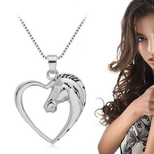 Fashion Horse Pendant Necklace Plated White Heart Shaped Necklace Pendant for Boys Girls J55