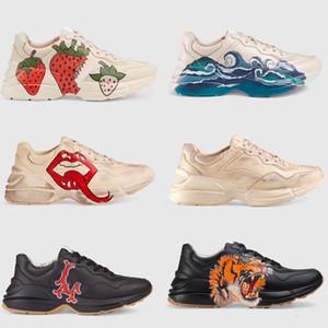 Top Mens Rhyton Sapatos de Plataforma Casual Pai Sneaker Desginter Mulheres Sapato Esportes Morango Onda Boca Tigre Web Imprimir Tamanho 5-45 Vintage