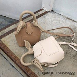 Box 2020 Women Large Capacity Scarves Handle Tote Shoulder Bag for Ladies tenperament Fashion Handbag Phone Beach Bags