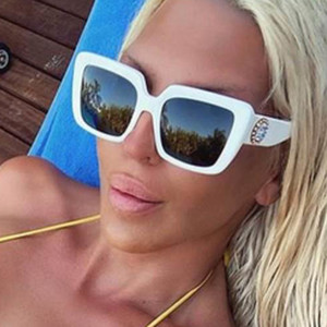 Мода Классические Белые Квадратные Солнцезащитные очки Женщины 2021 Винтаж Урожай Оригинал Градиент Солнцезащитные Очки Тени Мужчины Дизайн Мужчины Очки УВ400