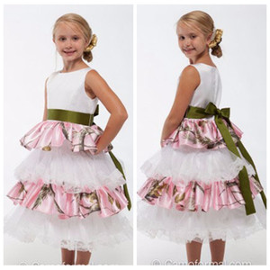 Cute Beautiful White Satin Flower Girls Dresses With Pink Camo Real Tree Tiered Skirt Kids Formal Wedding Party Gowns Ribbon Camouflage Wear