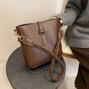 Vintage Leather Bucket Shoulder Crossbody Bags For Women 2021 New Luxury Designer Handbags Messenger Bags Female Purses Travel