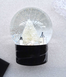 CCLASSICS SNOW GLOBE avec arbre de Noël à l'intérieur de la décoration de voiture Crystal Ball cadeau de Noël spécial de Noël avec boîte-cadeau