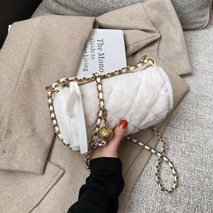 Toposhine Luxury Fashion Donne Borsa a tracolla Faux Fur Semicircle Small Bags Soft Ladies Borse a tracolla per borse da donna