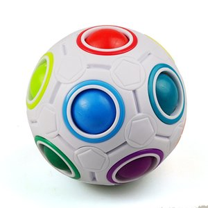 Magic Rainbow Ball Spécial Football en forme de football Créatif Cylindre Cylindre PP Box de Jouets intellectuels pour enfants Puzzle Ball Fabricant Direct Vente