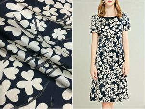 Stoff 22mm HERRINGBONE Muster Schwere Seide Vierblätter Klee, handgemalte Blumendruck Elastische Satin Boutique1