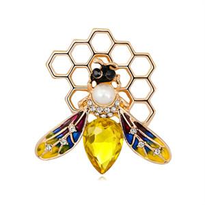 2021 Crystal Enamel Bee Honeycomb Brooches Honeybee Pin Brooch Women Men Alloy Insect Weddings Brooch Pins Gifts