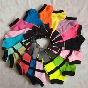 Designer Pink Black Socks Adult Cotton Short Ankle Socks Sports Basketball Soccer Teenagers Cheerleader New Sytle Girls Sock with Tags