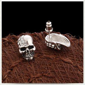 Brincos de crânio de diamante brilhante Brincos de designer de personalidade para homens e mulheres jóias de halloween jóias de luxo mulheres brincos DHE3252